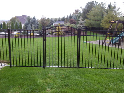 "54"" High Style 202 Black w/ Accent Gate"