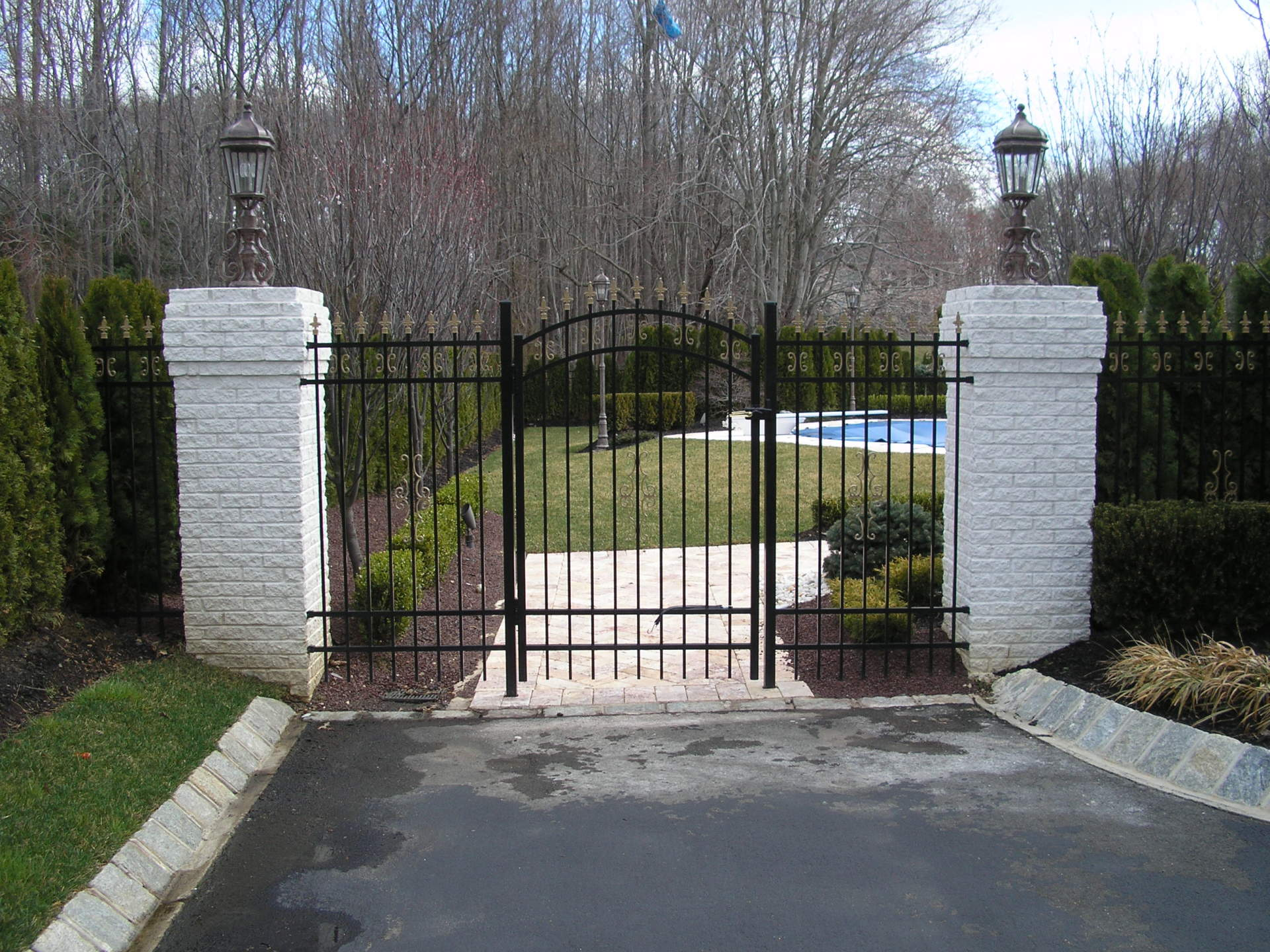 6' High Style 111 Accent Gate with Finials