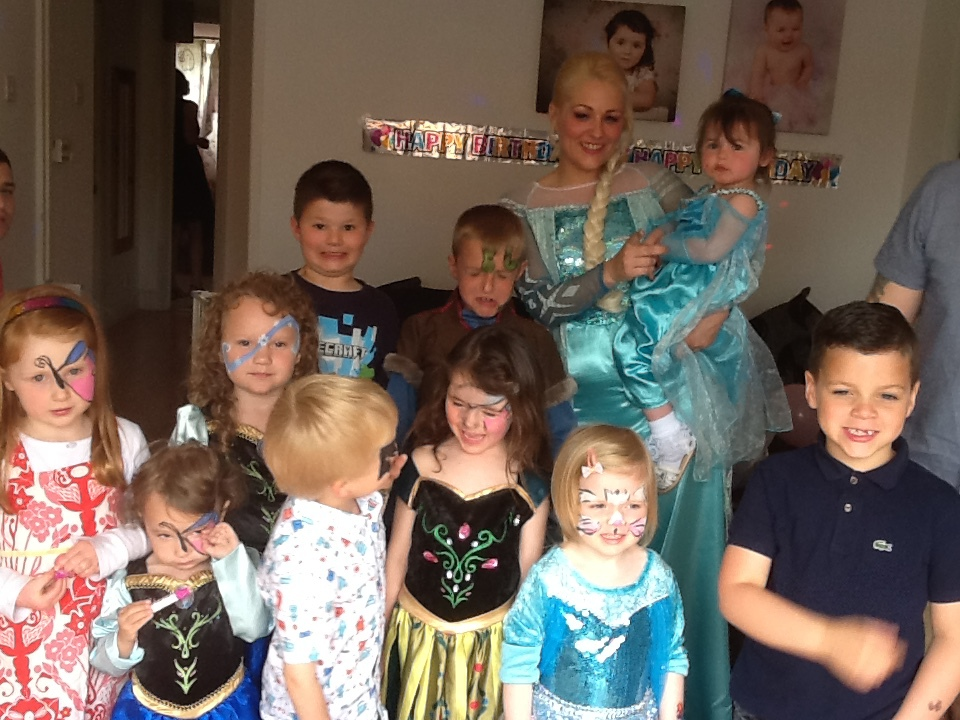 Children's elsa entertainers Milton Keynes