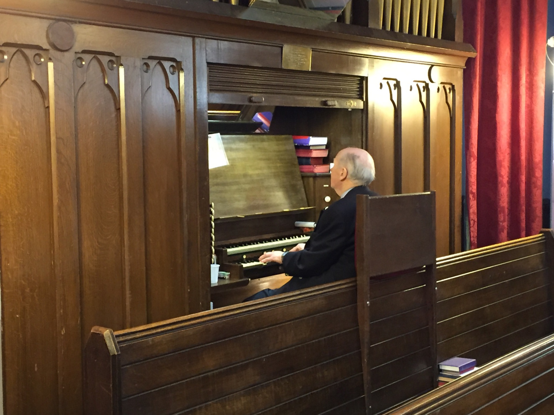 Stewart Alston at the organ