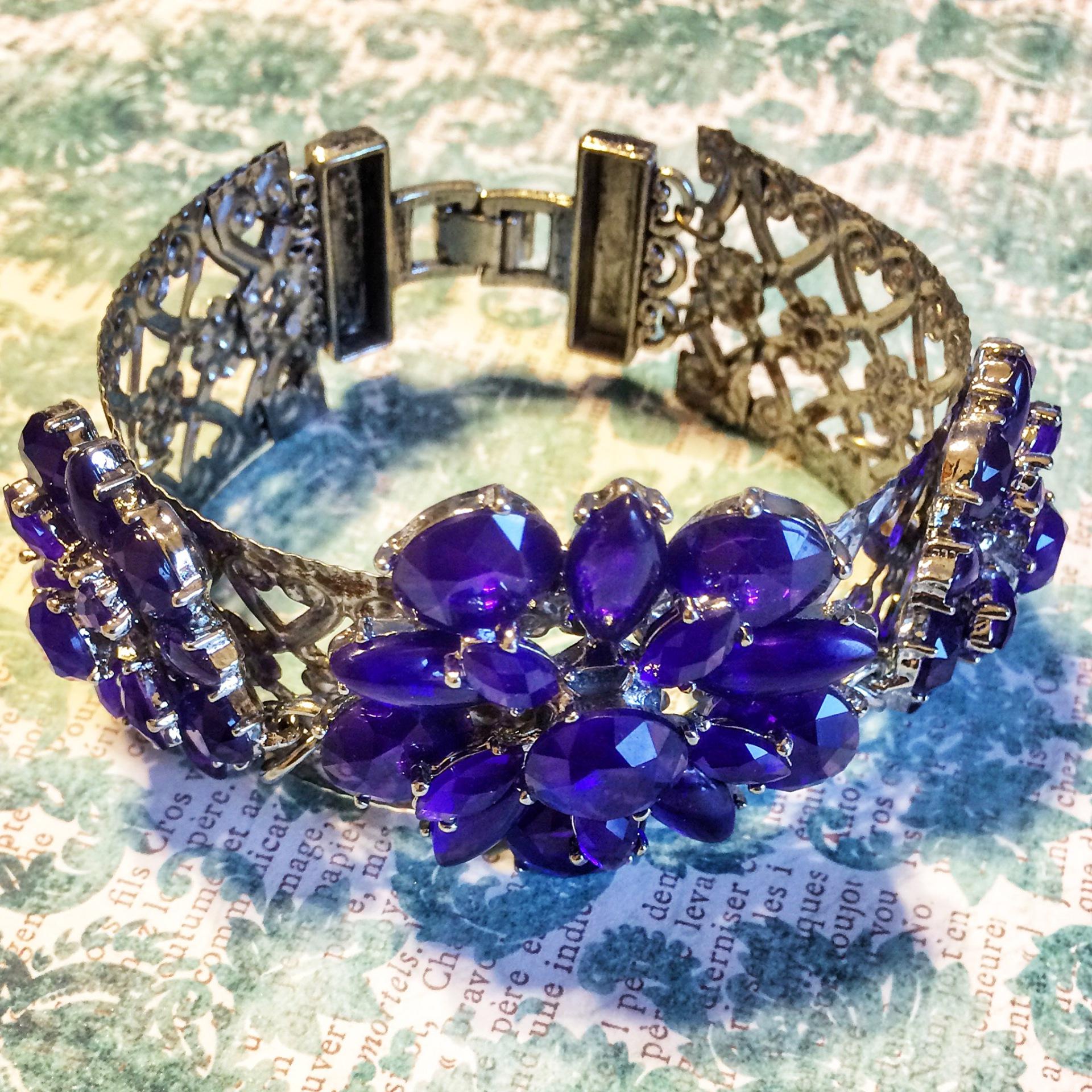 Floral Metal Bracelet