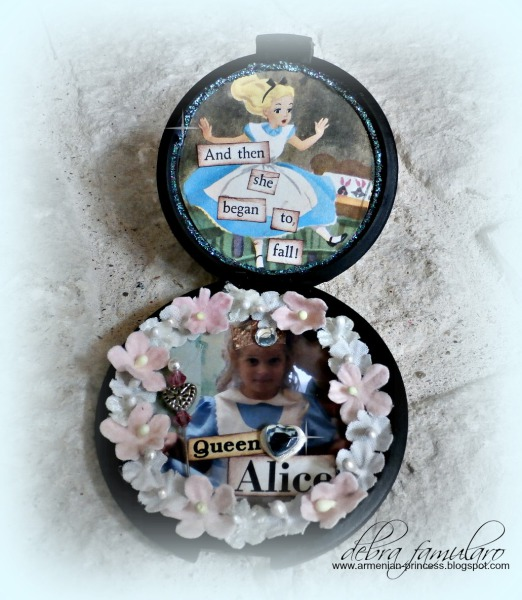 Alice in Wonderland Compact