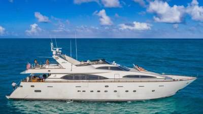 Bahamas Yacht Rentals Best Beaches to Go to At Bimini