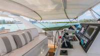 Trilogy Yacht - Under Bimini