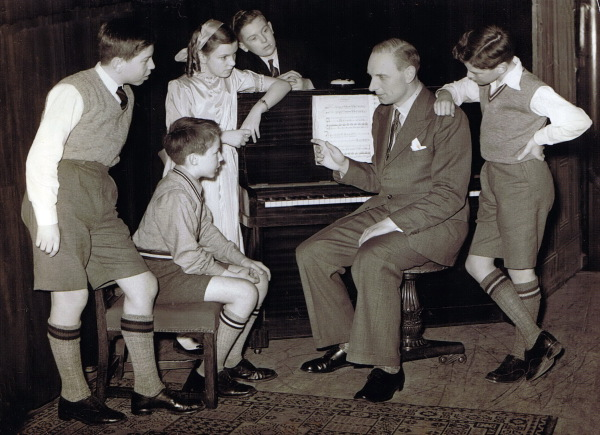 Arthur Martin choir, Belfast, 1953