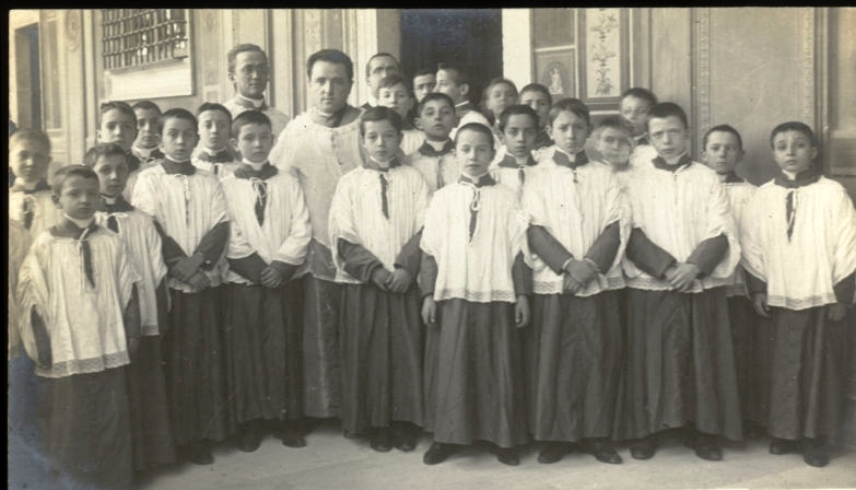 The choir in 1905 with choirmaster, Lorenzo Perosi