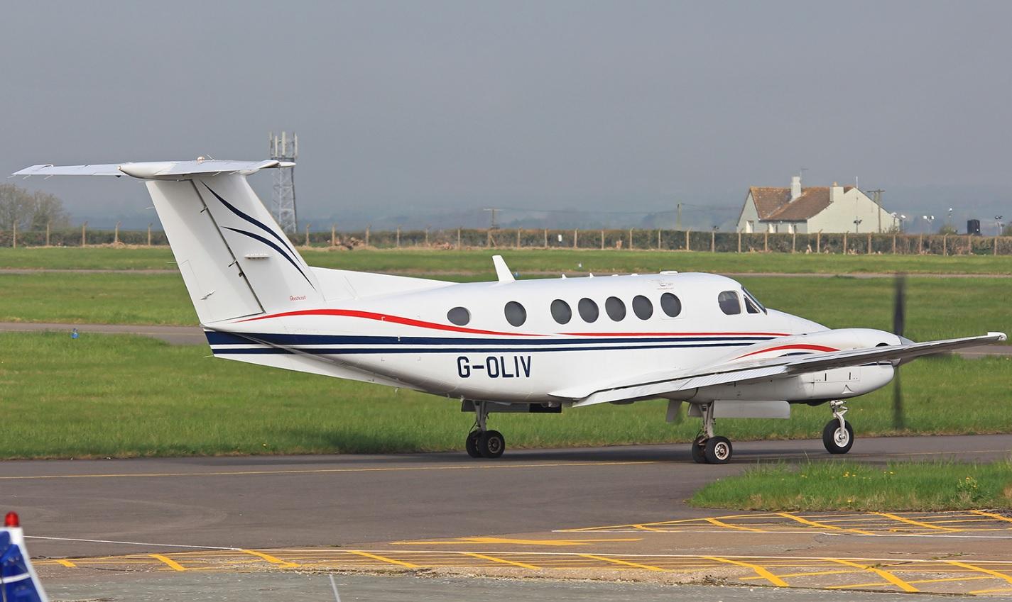 King Air 200 G-OLIV