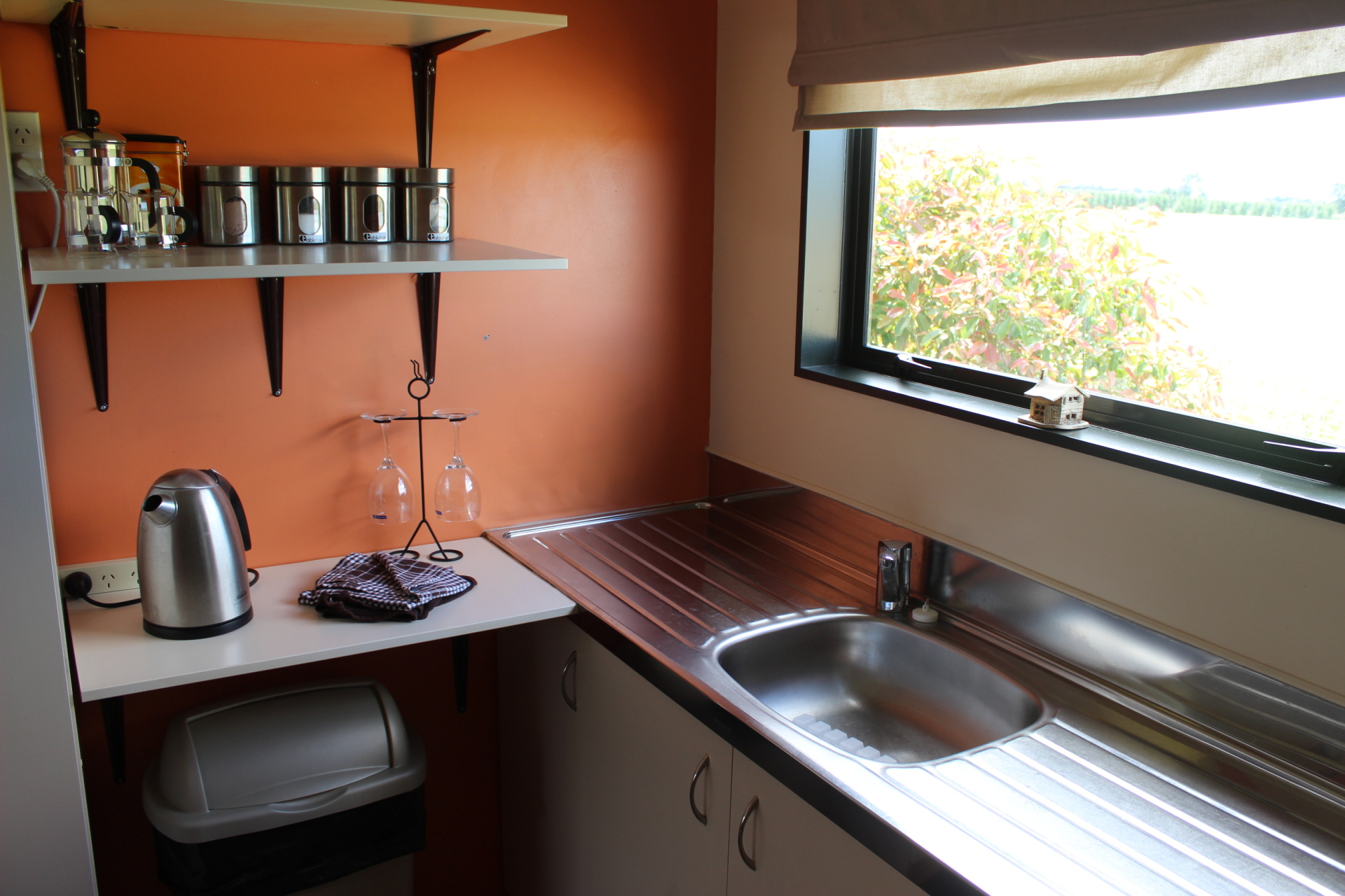 Kitchenette - Eyreview Retreat