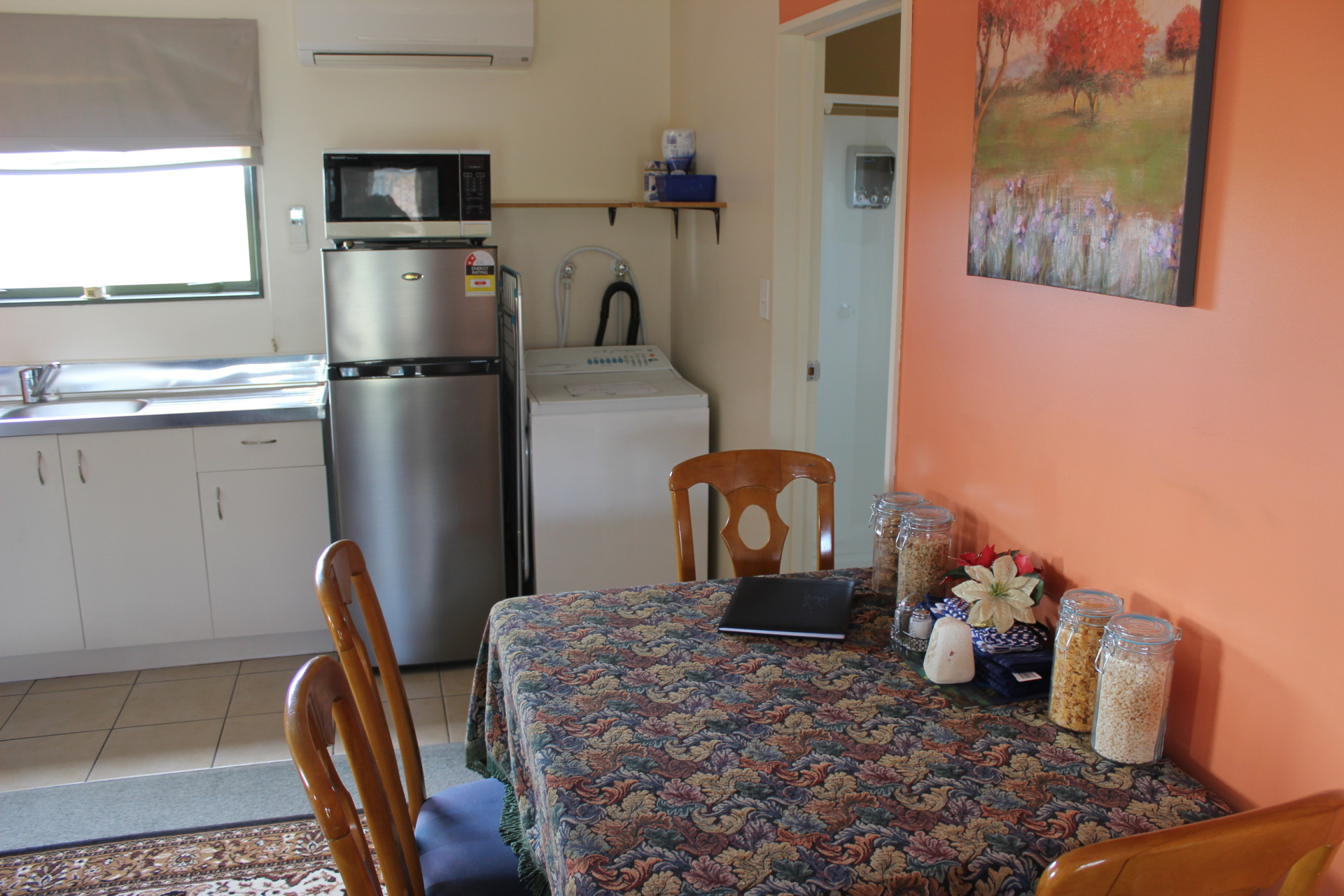 Fridge Freezer and Washing Machine - Eyreview Retreat
