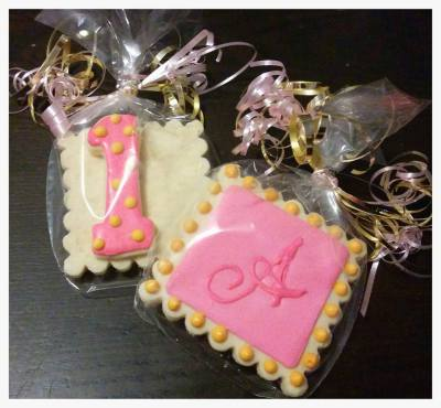 "Custom Monogram ""A"" and #1 Cookie Favors"