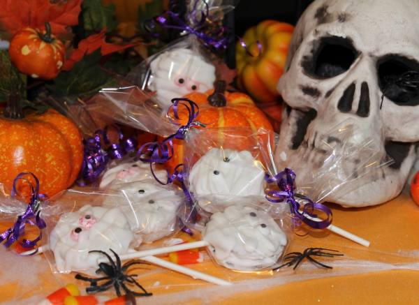 VERY POPULAR ** Halloween MUMMY Cookie Pops