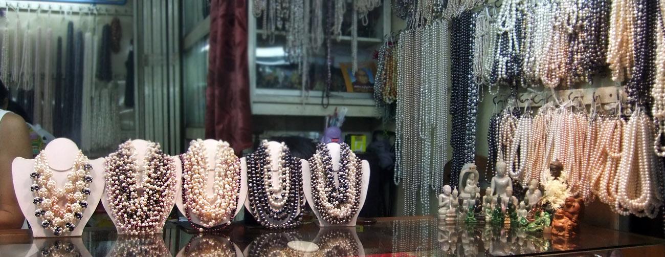 Pearl shop Bogyoke Market