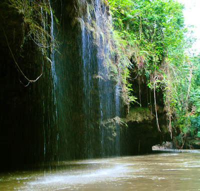 umphang waterfall into river