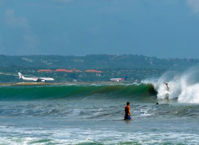 Bali surfing