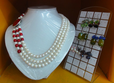 Mindanao pearl necklace