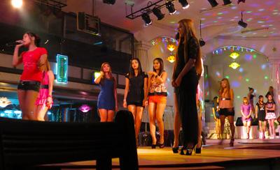powerlight bar girls (3)
