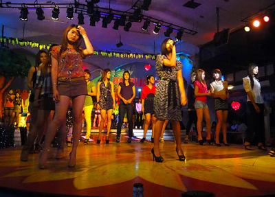 powerlight bar girls (4)