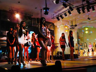 sexy show girls