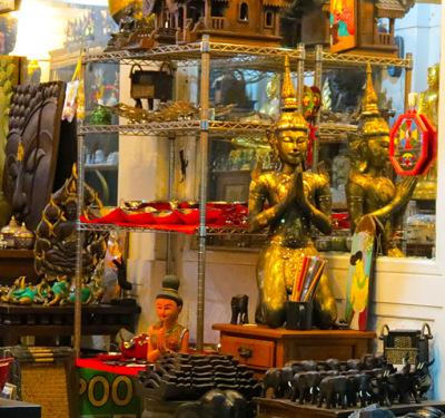 souvenir shop in vientiane