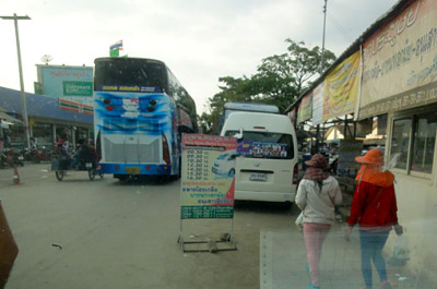 bus travel to the Thai border