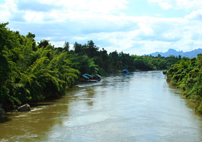 floating hotels on the river kwai