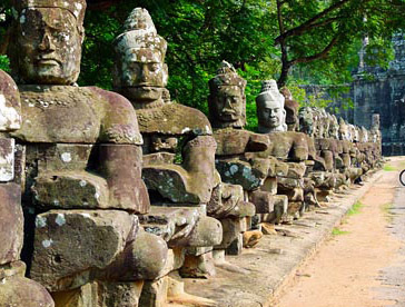 causeway to Angkor Thom plus statues of demons and gods