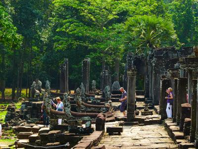visiting Angkor Thom (1)