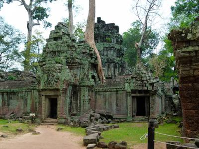 bayon temple ruins