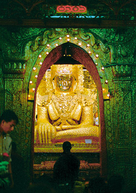 The Maha Muni Buddha