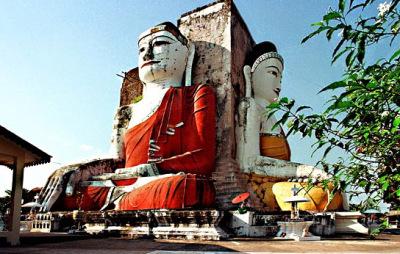 A huge Buddha Shrine