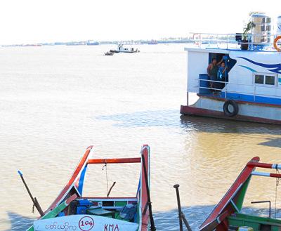 Busy Yangon River (5)