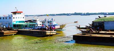 Busy Yangon River (6)