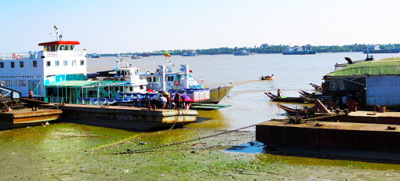 Busy Yangon River (6)