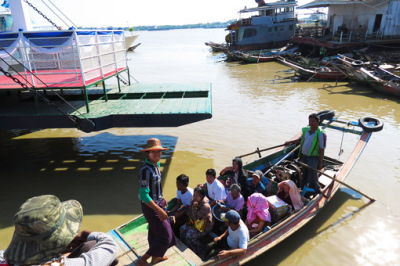 Busy Yangon River (11)