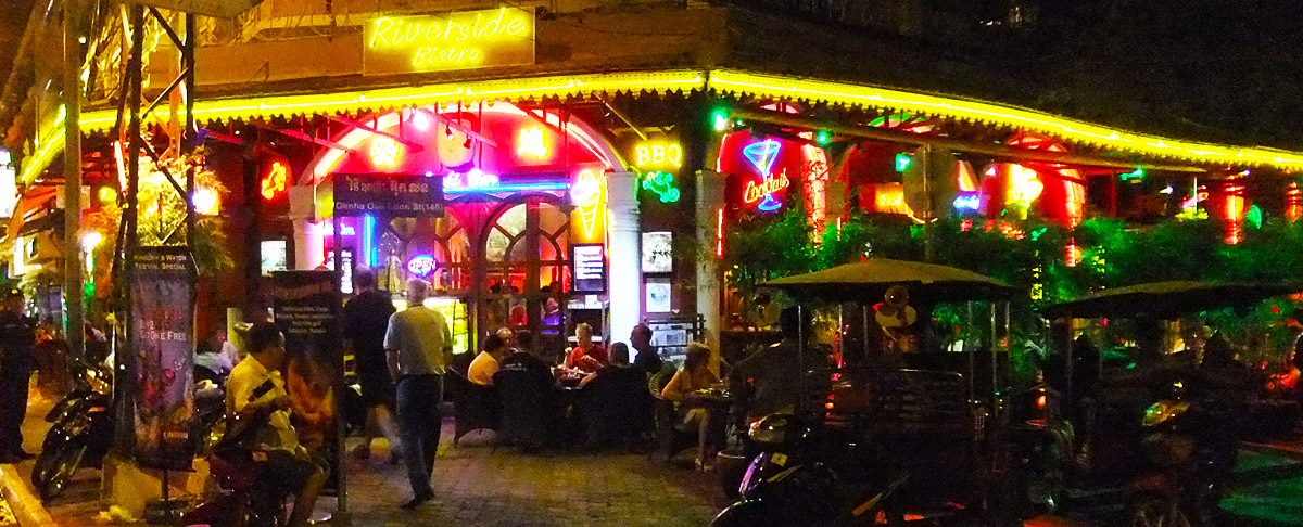 Sisowath Quay nightlife