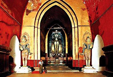 Ananda Temple tour
