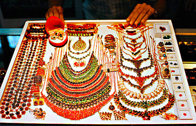 Bogyoke Market Sale (1)