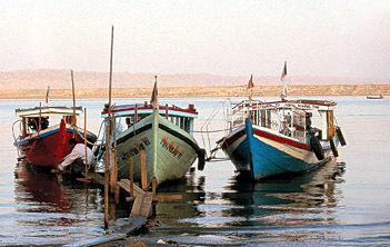 ayeyarwady river boats