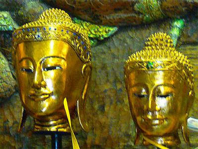 Buddha head northern Thailand style (1)