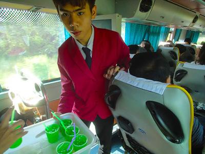 A bus ride between Bangkok and Chiang Mai