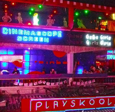 Nana Plaza Bangkok (1)