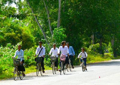 Leaving Phnom Penh (1)