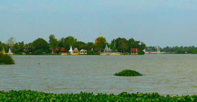Leaving Phnom Penh (1)