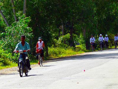 Cambodian biking (1)