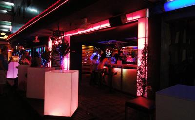 nightlife girls at patpong bangkok