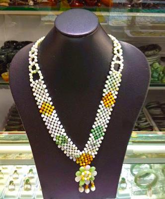 Ethnic style jadeite necklace
