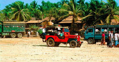 Yangon Bagan with the jeep
