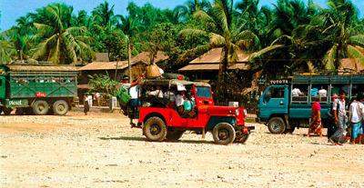 Yangon Bagan with the jeep