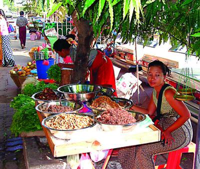 Mandalay roadside