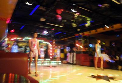 Yangon nightlife girls (3)
